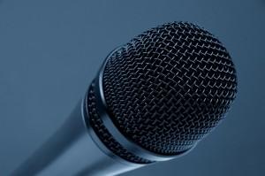 microphone-298587_640